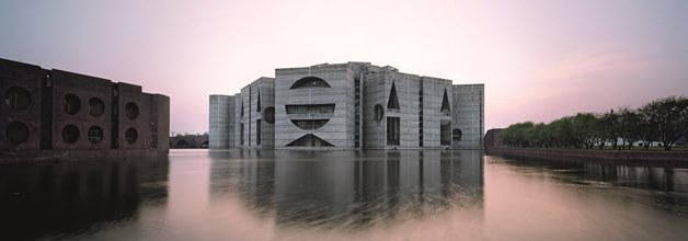Louis Kahn (1901-1974) was a visionary architect, an expert manipulator of form and ligh