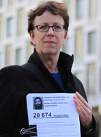 Kate Allen hands in Shaker Aamer petition